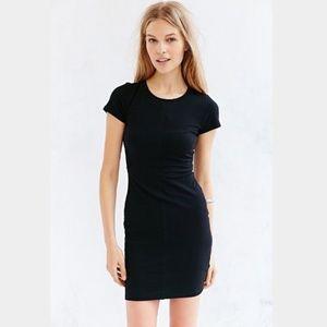 UO Silence + Noise black bodycon tshirt dress - L